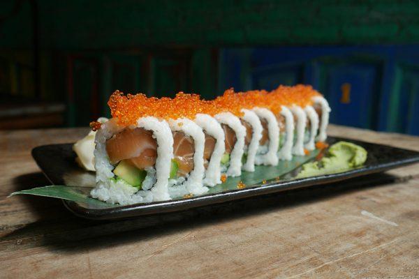 Uramaki Roll – Salmon & Avocado